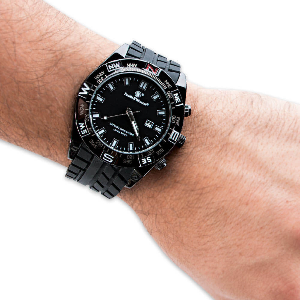 S&W MILITARY STYLE DIVE WATCH